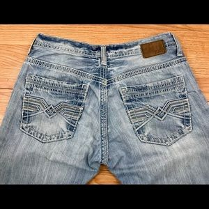 BKE Light wash Distressed Carter Buckle Jeans 32L